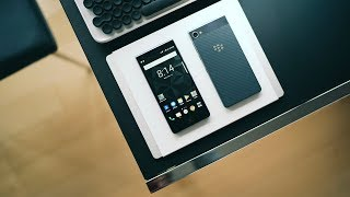 Blackberry Motion UNBOXING and REVIEW - This is Blackberry in 2017
