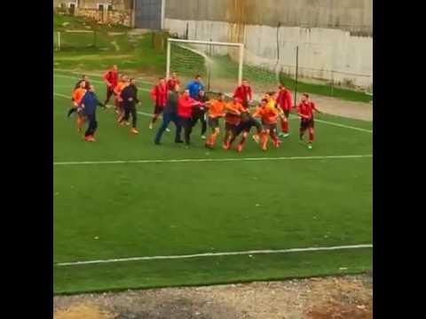Përleshja ndërmjet futbollistëve: Ballkani - Flamurtari