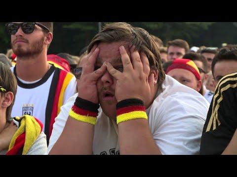 Pure Enttäuschung: Deutsche Fans auf der Fanmeile in Berlin