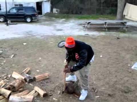 Dekembre bustin wood 1