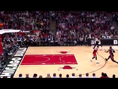 Ridiculous Kirk Hinrich is blocked 7 times by the Heat players