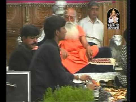 NIRANJAN PANDYA- KARSAN SAGATHIYA(DUET) shivratri bharti asram
