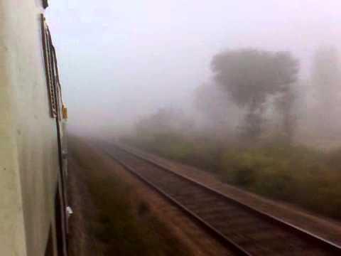 12079/Bangalore City-Hubli Jan Shatabdi Express with fog