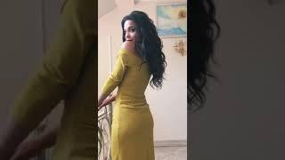 G 3100 Платье из люриксового трикотажа с разрезом video
