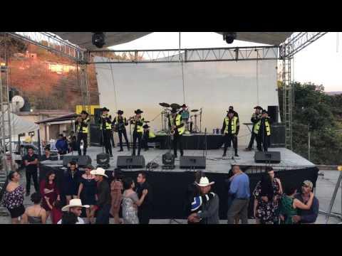 Banda Marquez el Mandil en vivo
