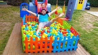 Öykü Yüzme Havuzu İstiyor - For Kid Ball Pool Colored Fences - Funny Oyuncak Avı