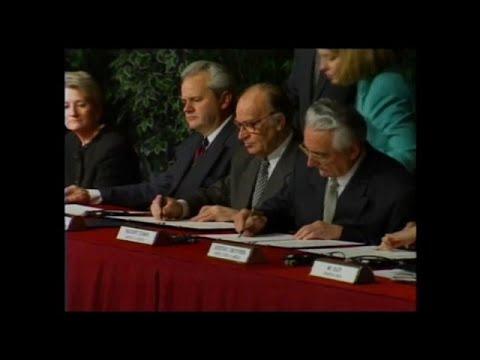 25 anni fa gli accordi di Dayton posero fine al conflitto in Bosnia, ma la regione ribolle di nuovo
