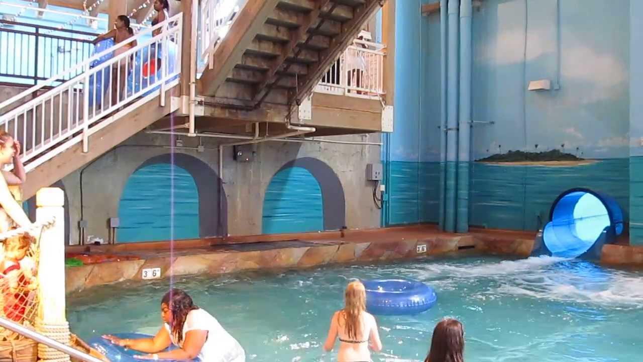 water slide at coco key water resort waterbury. Black Bedroom Furniture Sets. Home Design Ideas