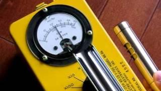 ガイガーカウンターCD V-700の針の振れ方