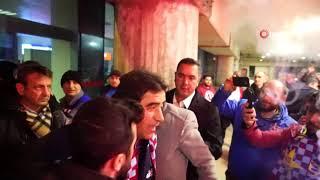 Trabzonspor taraftarı takımını coşkuyla karşıladı