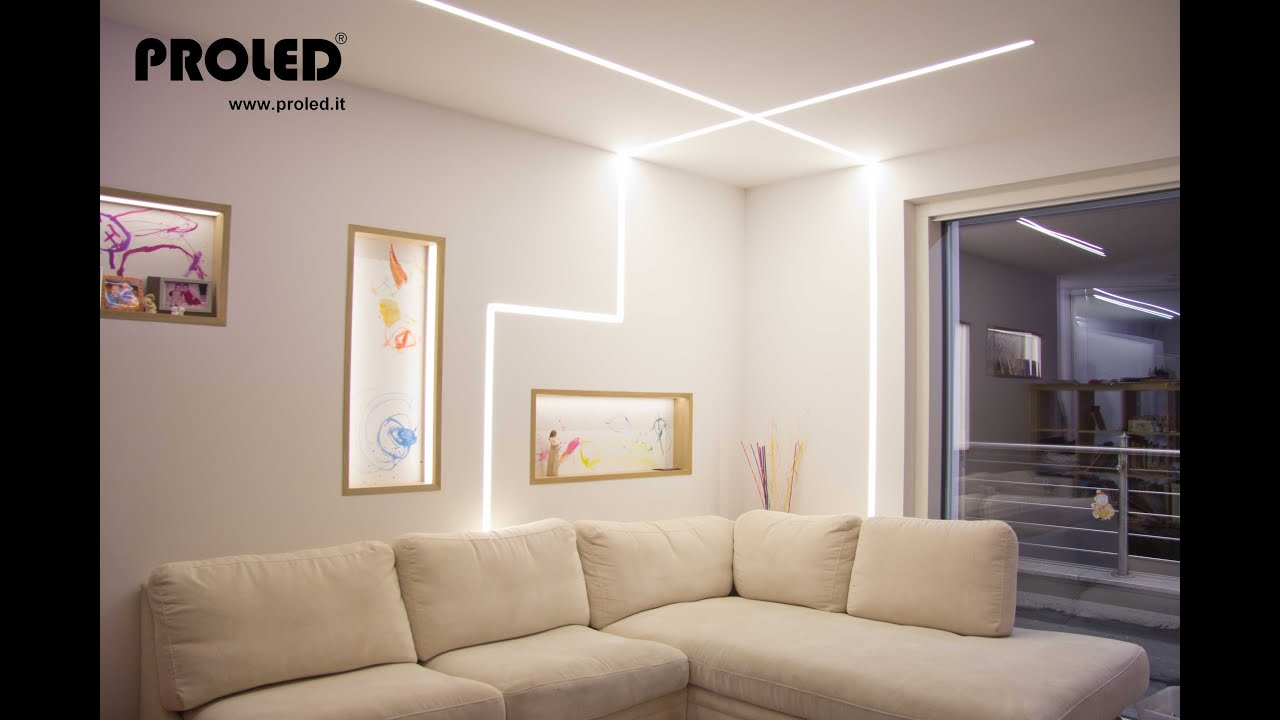 Illuminazione a soffitto a led si09 pineglen for Luce led striscia