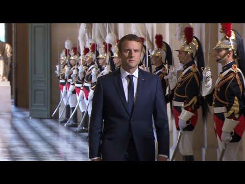 Pourquoi la popularité d'Emmanuel Macron chute fortement en juillet