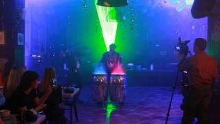 Шоу барабанщиков на открытии ресторана Козловица в Челябинске(Барабанщики и лазерное шоу в Козловице., 2014-03-14T15:59:35.000Z)
