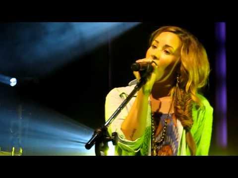 Who's That Boy (Girl) - Demi Lovato Soundcheck Rio de Janeiro 19/04/2012