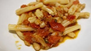 Becky's Kitchen: Easy Oven Roasted Tomato Sauce Thumbnail