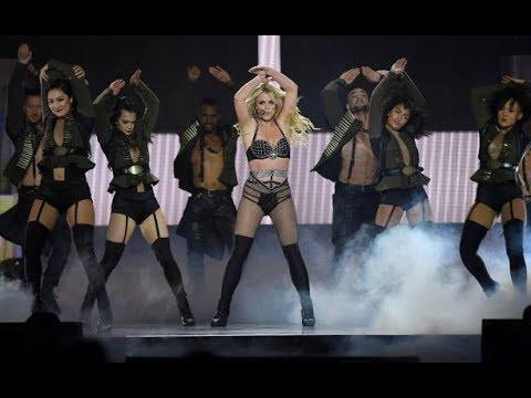 Britney Spears - Opening + Work Bitch and Womanizer (Live in O2 Arena London - Piece of Me Tour)