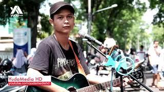 Video Pelangi di Matamu - Jamrud (Cover Pengamen Jalanan Sendu Melayu) download MP3, 3GP, MP4, WEBM, AVI, FLV Maret 2018