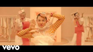 Sia ft. P!nk - Courage To Change [Video Lyrics]
