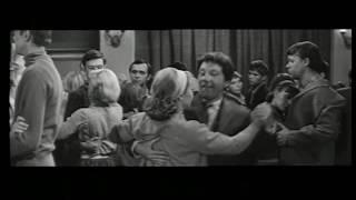Румянцева и Крамаров из фильма ЧЁРТ С ПОРТФЕЛЕМ 1966 г -   Танцы