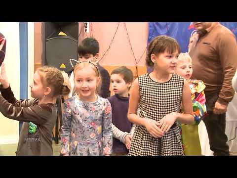 Благотворительная ёлка от общественных организаций Мегиона