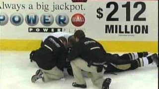 Hockeyfighters.cz  Andy Sutton ENDS Jordan Leopold [Full Incident].wmv