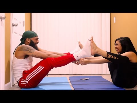 HILARIOUS YOGA CHALLENGE WITH QUEEN