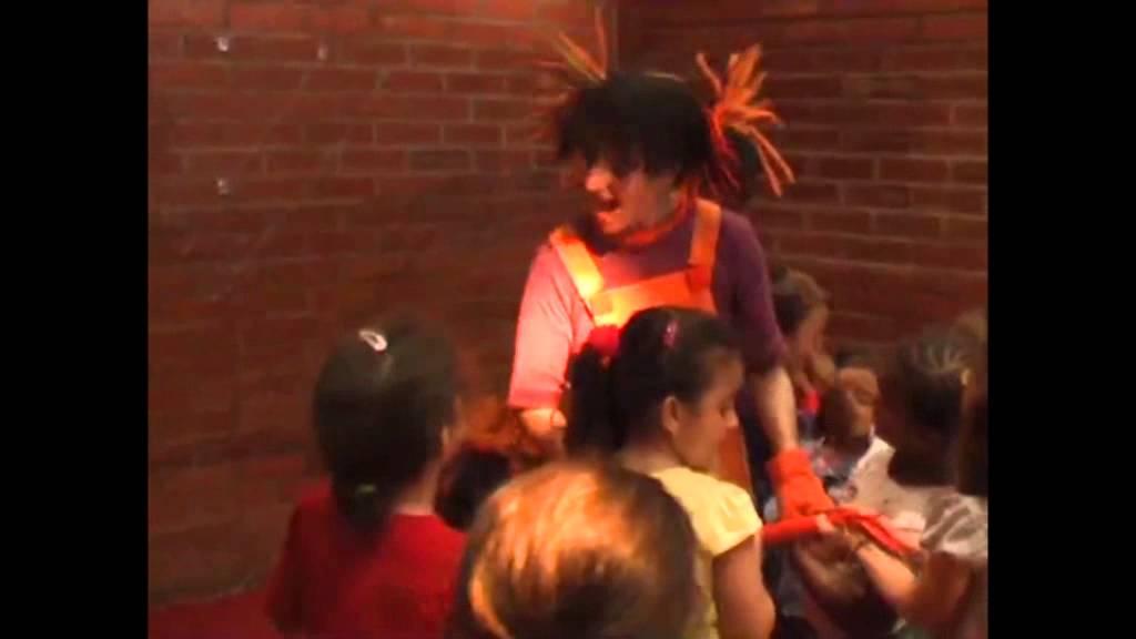 Sala Teatro Cuarta Pared: Campaña Escolar 2013-2014. Avance 1
