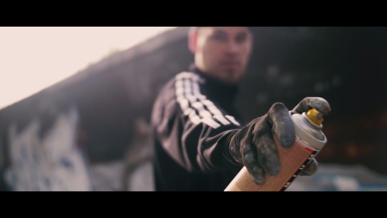 Johnny Mauser - Hör mal wer da hämmert (prod. Simelli) [Official Video] - YouTube