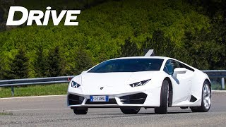 Lamborghini Huracan LP580-2  | Test by DRIVE Magazine [English subtitles]
