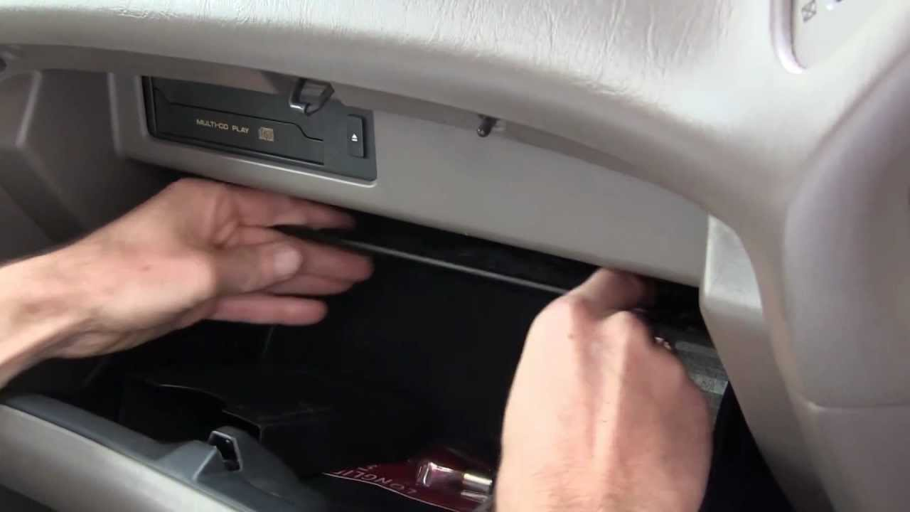 How To change a Cabin Air Filter in a Lexus RX300 - YouTube