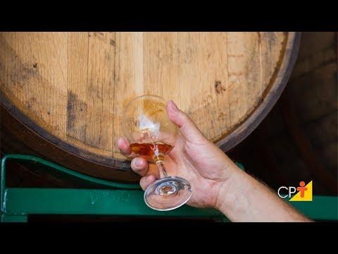 Clique e veja o vídeo Curso Produção Artesanal de Whisky