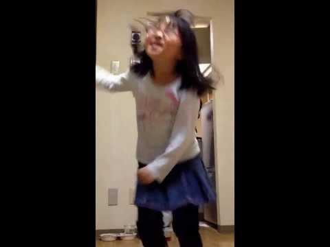 hibikilla-「The Goal」 に合わせて踊る娘