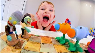 FATHER SON ZOMBIE ATTACK! / Plants vs Zombies Toys!