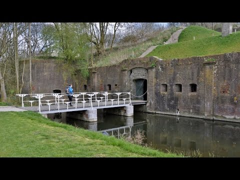 Walkin' Holland -  The forts and the river Kromme Rijn SE of Utrecht [Apr. 9, 2016]