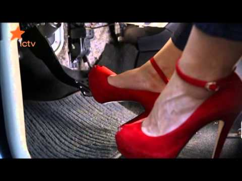 Девушки на каблуках за рулем фото