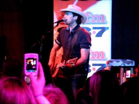 "Dean Brody - LIVE - ""Canadian Girls"""