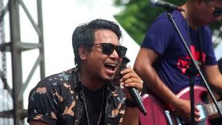 Daun - Bidadari live in concert Tugu Selong 7 Januari 2018