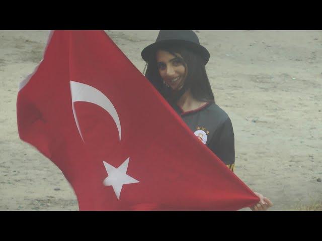 Galatasaraylı Azeri kızı Fatmanın inanılmaz cimbom sevdası