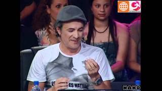 Carlos Alcántara recibe la sorpresa de la 4ta Gala (El Gran Show: Reyes del Show 27-11-2010)