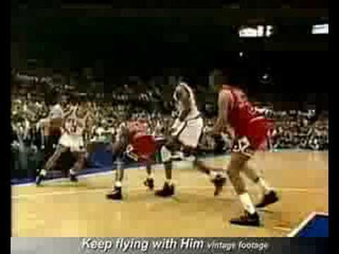 John Starks dunks on the Bulls NBA Playoffs 1993 FULL