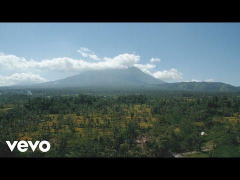 Møme - Møme - Møment I (Live Session / Bali)