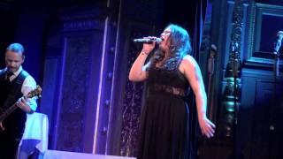 Molly Pettersson Hammar - Listen på Berns