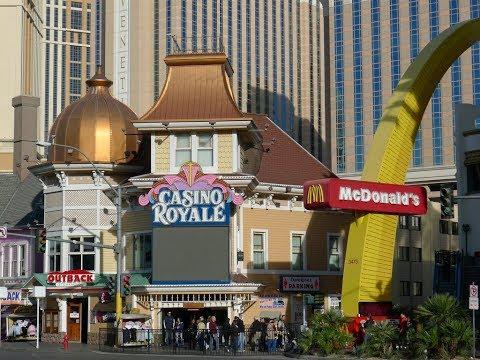 Las Vegas Strip Walk Harrah's to Venetian 4K July 2017