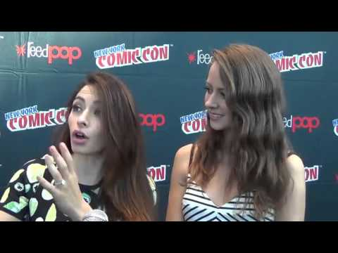 Amy Acker & Sarah Shahi talking about Root and Shaw (Person of Interest) — New York Comic Con 2015