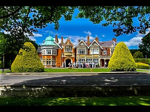 Walking Around Bletchley Park, Milton Keynes, England