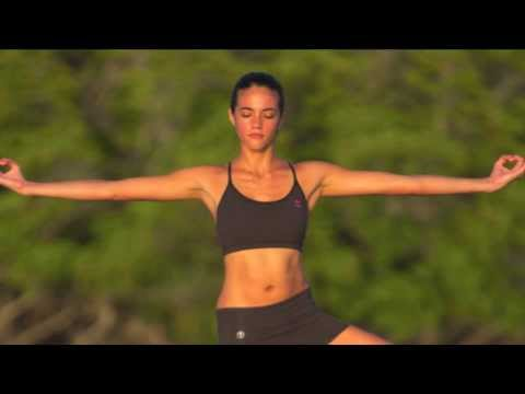 "True YOGiiZA Jahzel Dotel ""I like Organic Cotton Yoga Clothes"""
