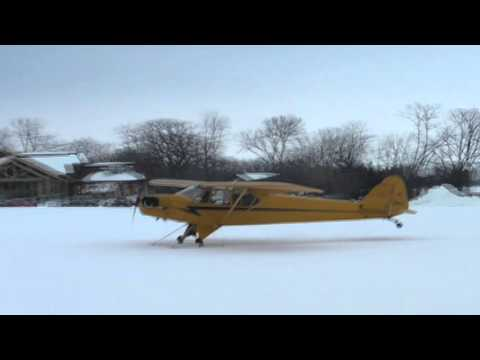 Gathering of Skiplanes at OSH