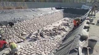 видео Укладка камней через водоём