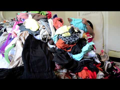 KonMari Method (Clothes): The Life Changing Magic of Tidying Up