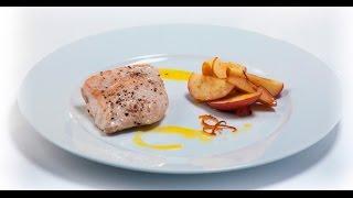 Филе индейки с печёными яблоками и апельсиновым соусом | Дежурный по кухне